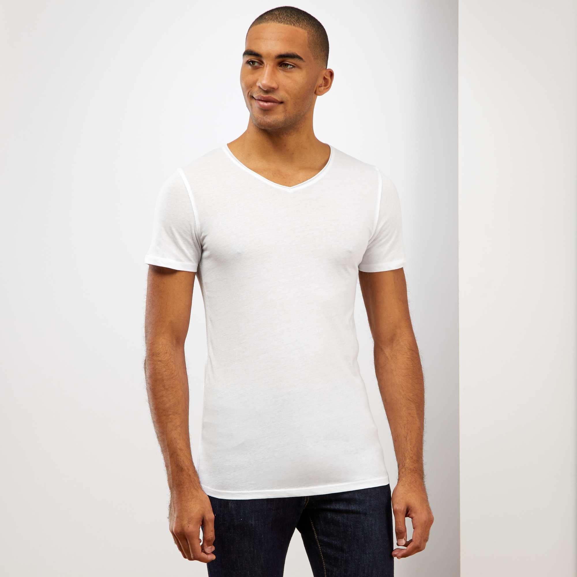 Couleur : blanc, , ,, - Taille : XL, , ,,Un basique indispensable et facile à coordonner à vos tenues. On craque pour son petit
