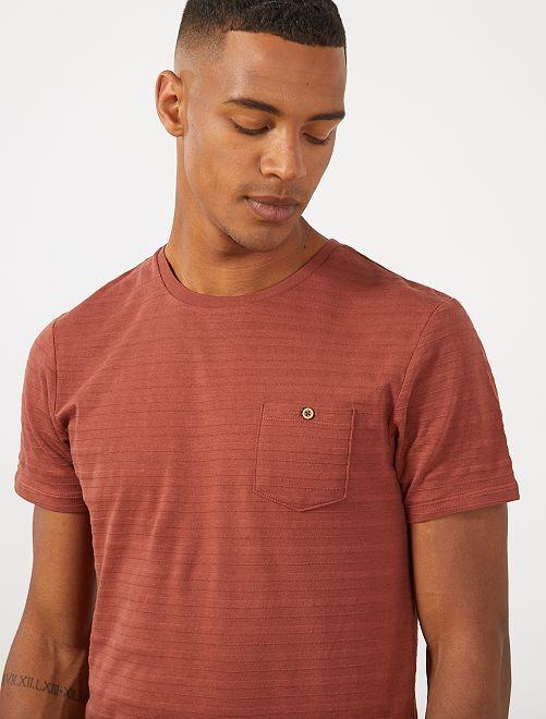 T-shirt texturé poche poitrine                                         brique
