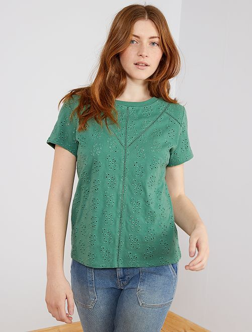 T-shirt total broderie anglaise                     vert pin