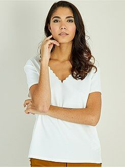 T-shirt, débardeur blanc - Tee-shirt à encolure écailles