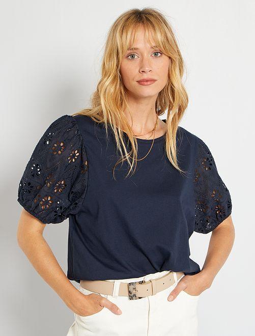 Tee-shirt avec broderies anglaises                                         bleu marine