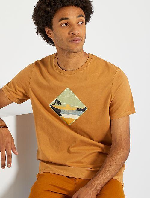 Tee-shirt imprimé                                                                                                                                                                 marron