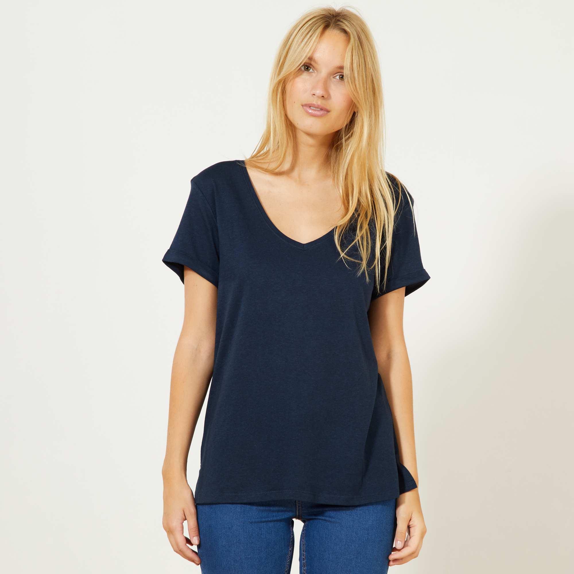 Couleur : bleu marine, blanc, gris chiné clair,vert, - Taille : L, M, XL,S,Un bon basique à avoir dans son dressing ! -T-shirt en coton modal - Manches courtes