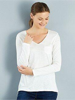 T-shirt, débardeur blanc - Tee-shirt manches longues col V maille flammée