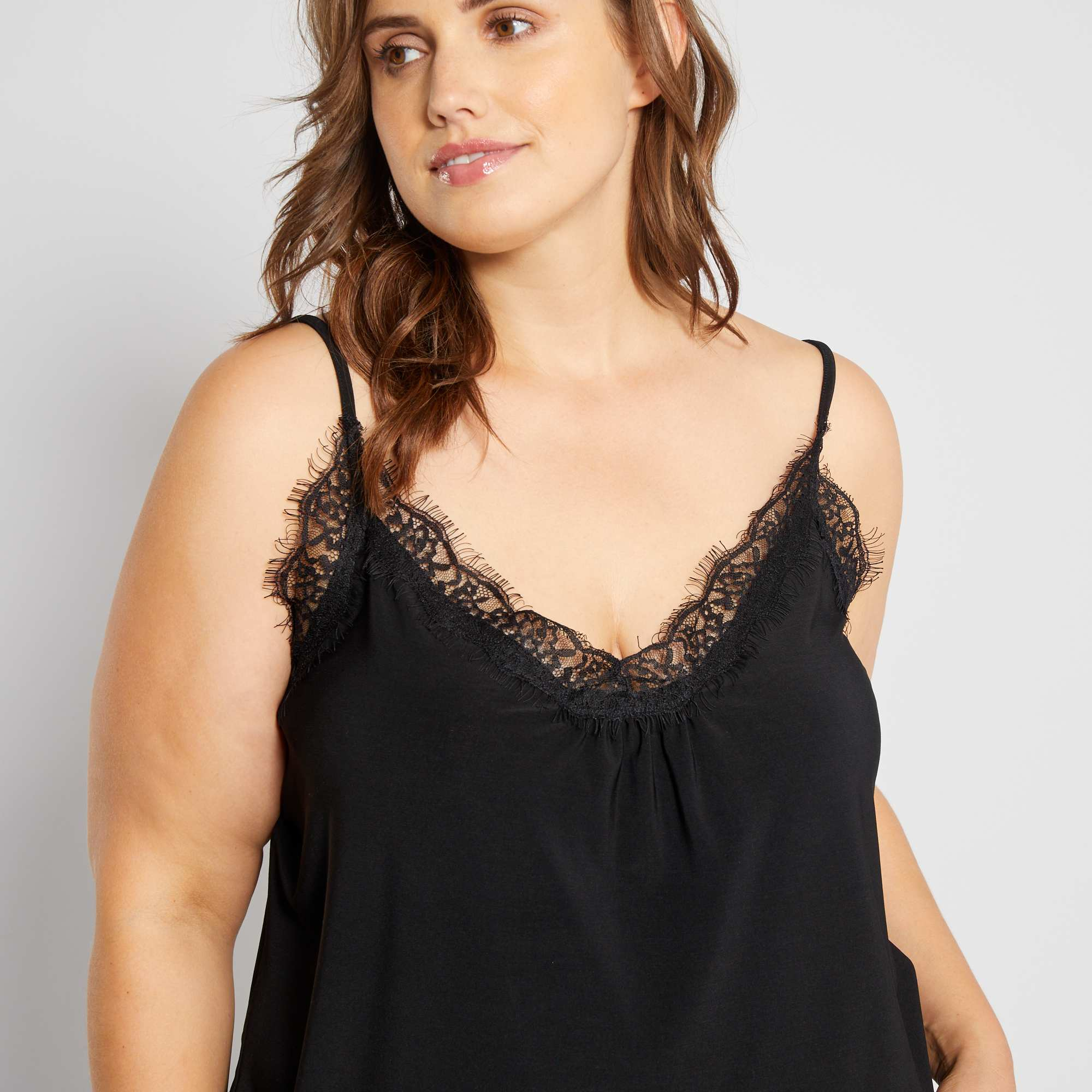 e94442265a Top nuisette avec dentelle Grande taille femme - noir - Kiabi - 15,00€