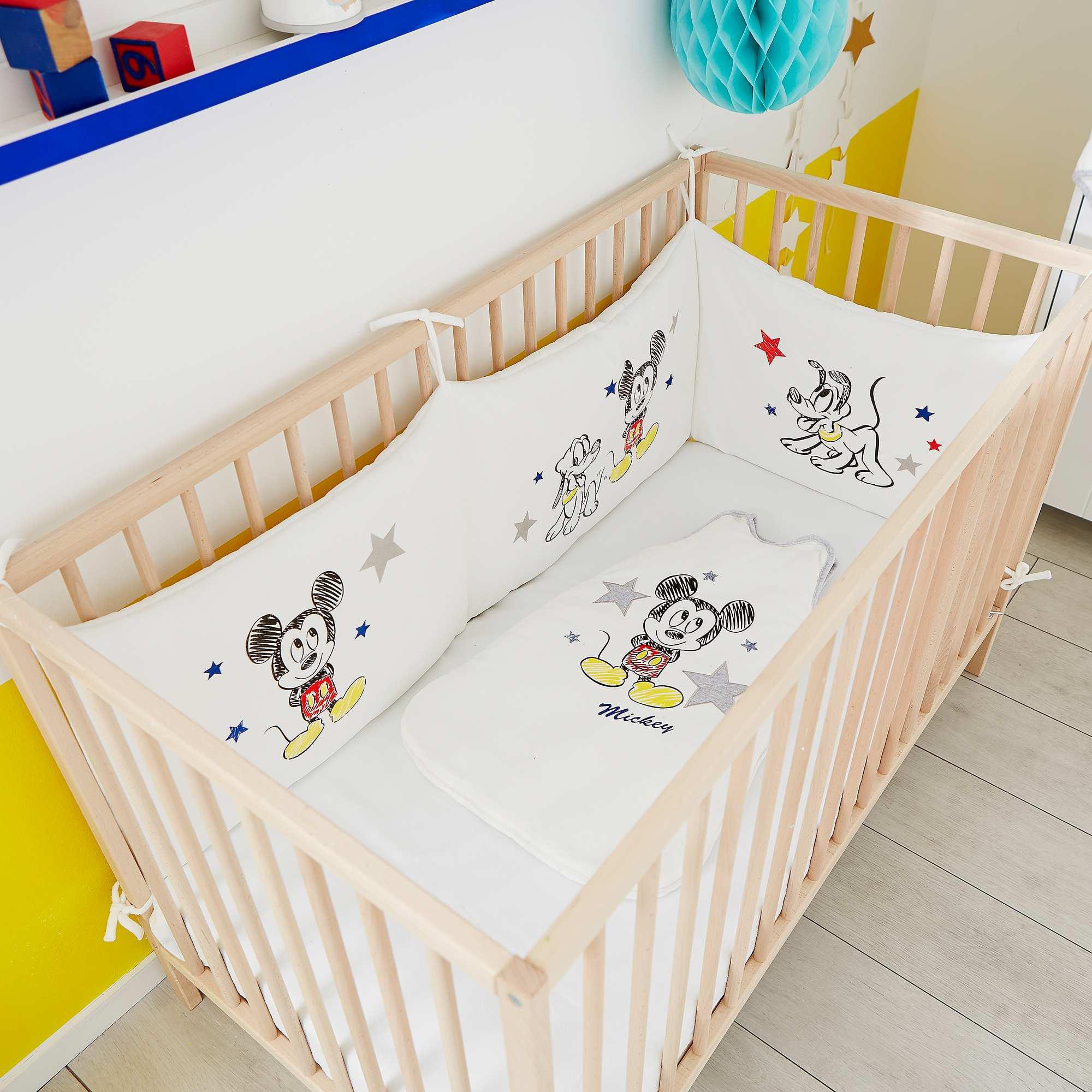 Couleur : Mickey, , ,, - Taille : TU, , ,,Nos babies s'endormiront au côté de 'Mickey'. - Tour de lit en velours 'Disney' -