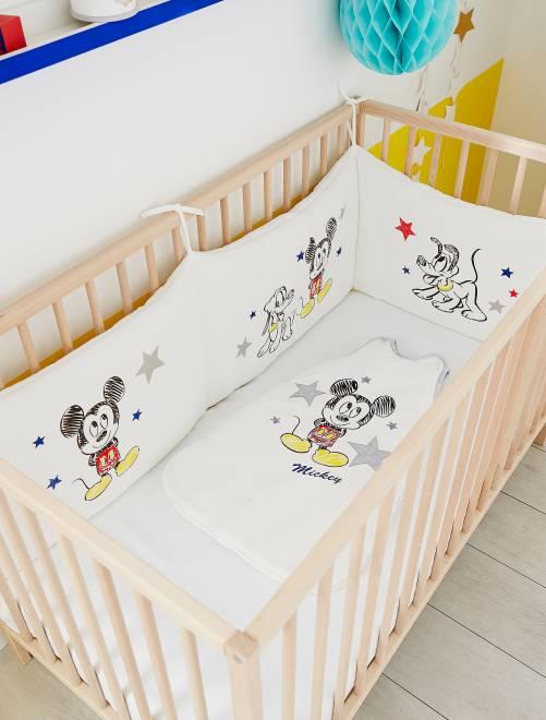 tour de lit velours 39 mickey 39 b b gar on mickey kiabi. Black Bedroom Furniture Sets. Home Design Ideas