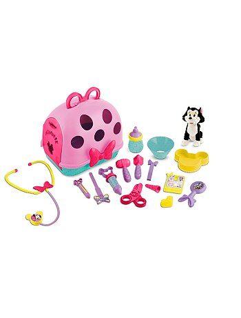 Pour soigner et emmener 'Figaro' en promenade, tu as tout dans ce set vétérinaire ! - Set vétérinaire 'Minnie' de 'Disney' comprenant : - 1 vanity / cage de transport (30 x 24 x 25 cm environ) - 1 peluche chat 'Figaro' (20 cm environ) - 1 gamelle, 1 biber